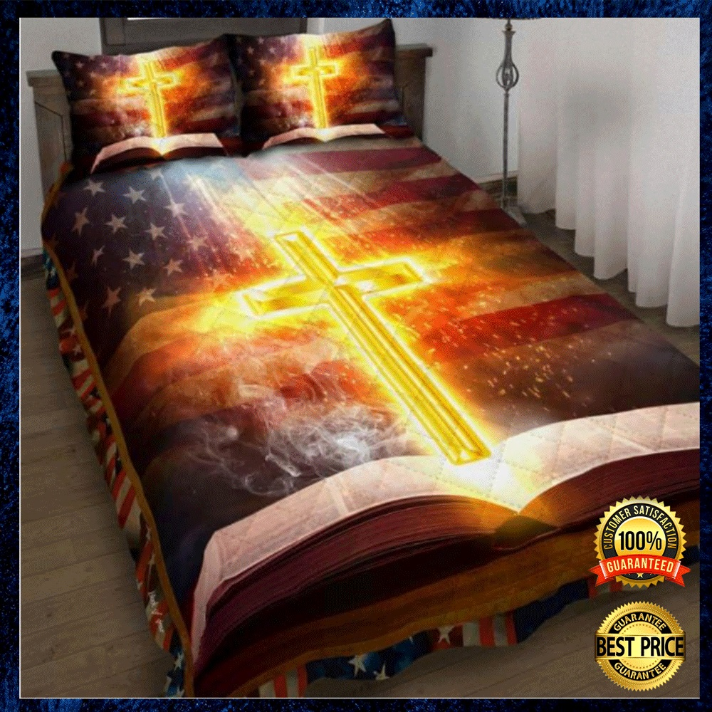 CROSS AND BIBLE AMERICAN FLAG BEDDING SET 4
